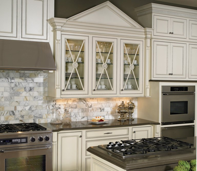 Kitchen Cabinets In Fort Lauderdale: Laminate Flooring While Remodeling The Home